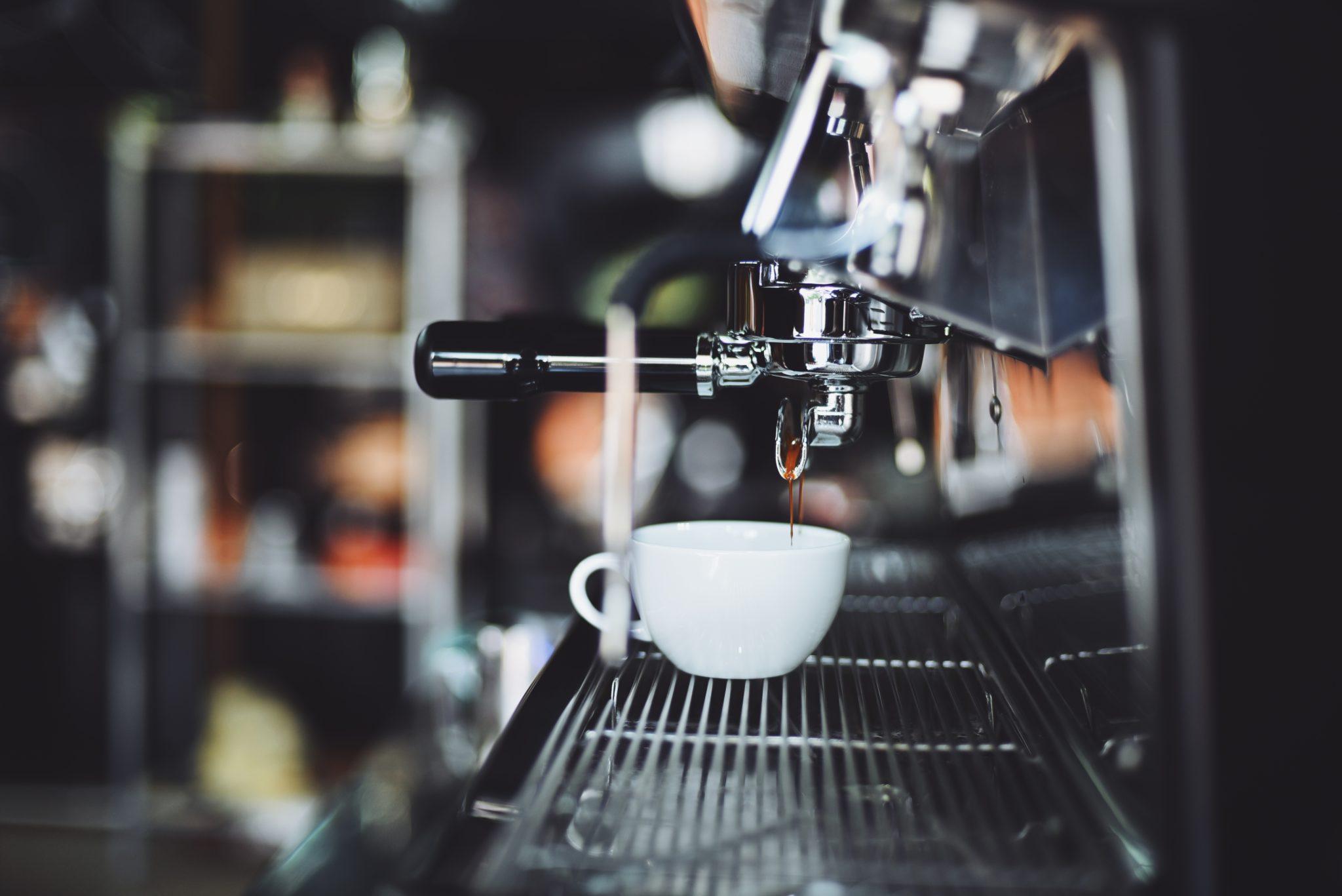 sprzet-dla-kawiarni-profesjonalne-ekspresy-mlynki-do-kawy